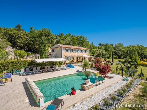 South of France Gordes, Provence - 5 Bedroom accommodation - Apartment reference PR-1259