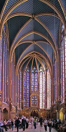 Disfrute del esplendor de la Sainte-Chappelle en París