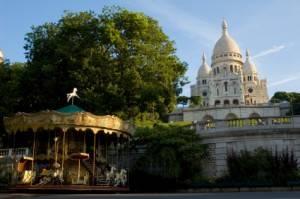 Tiovivo cerca del Sacre Coeur en París