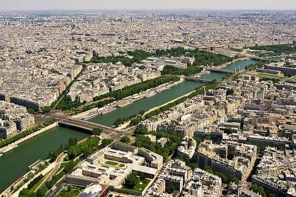 Panorama del río Sena en París