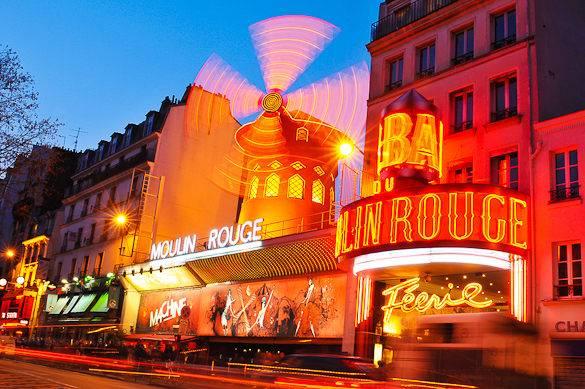 Imagen del famoso Moulin Rouge parisino