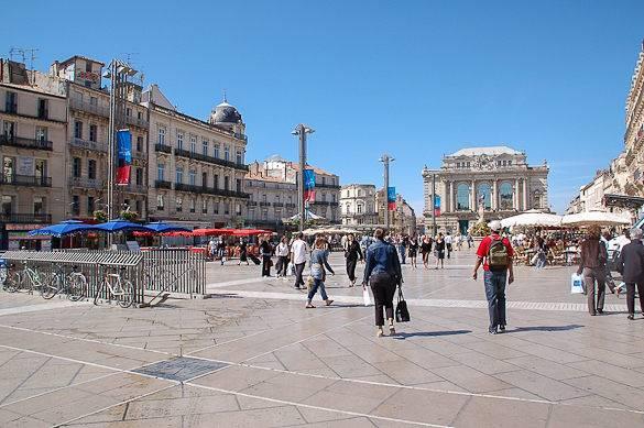 Una foto de la Plaza de la Comédie en Montpellier
