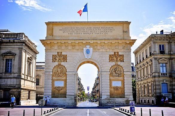 Imagen del Arco del Triunfo de Montpellier en la calle Foch