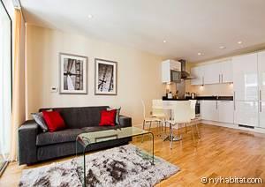 Imagen del cuarto de estar y la cocina de uno de los apartamentos de vacaciones de Londres