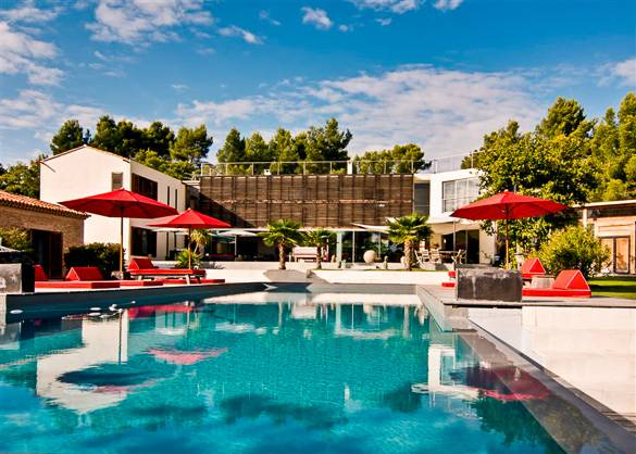 Fotografía de un apartamento de vacaciones con piscina en Aix-en-Provence