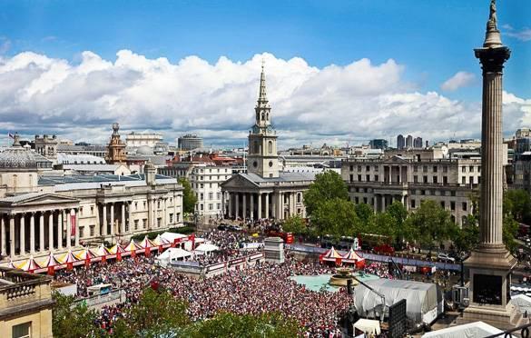 Fotografía de la plaza Trafalgar Square de Londres durante el festival West End LIVE Festival