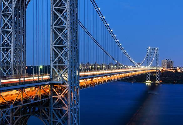 Imagen del puente George Washington por la noche