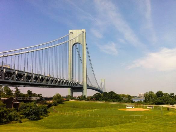 Fotografía del puente Verrazano-Narrows en Nueva York