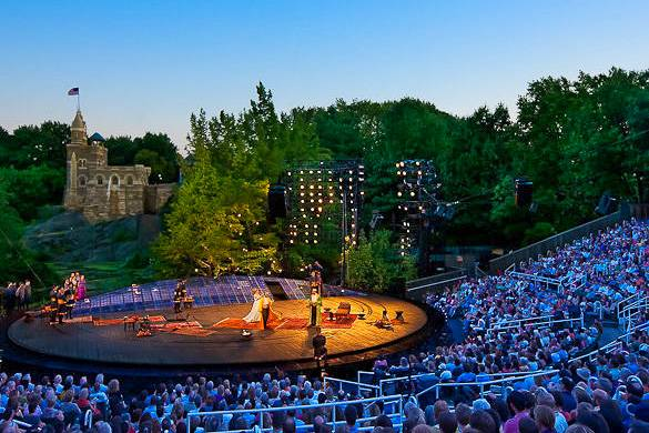 Imagen de Shakespeare en el Parque en el Teatro Delacorte.