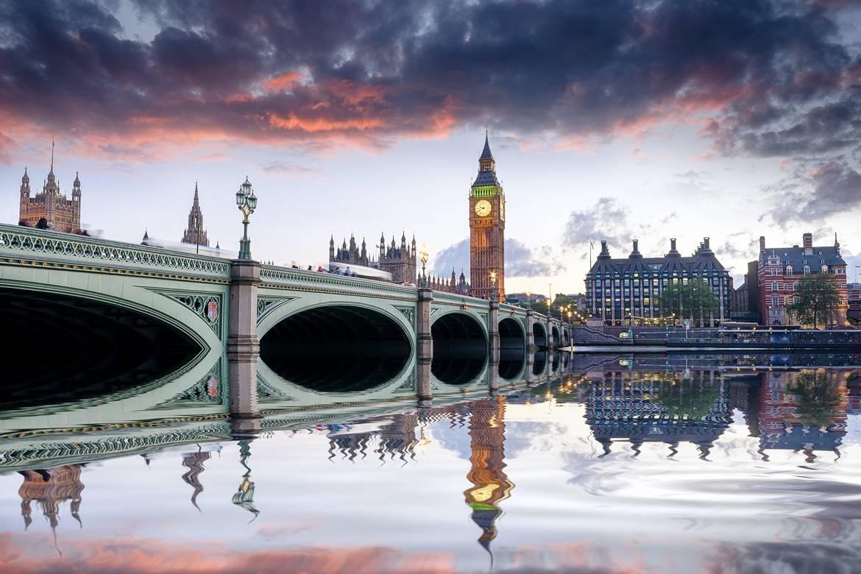 El Puente de Westminster con el Big Ben al atardecer
