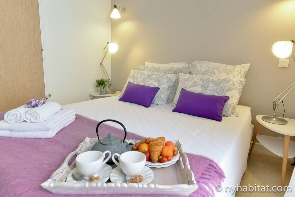Imagen de uno de los dormitorios de la planta baja de Villa Cézanne