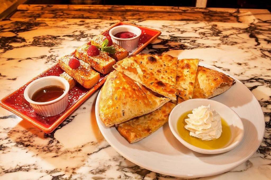 Imagen de la comida de un brunch