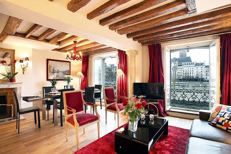 Perfil de un apartamento de París que se asoma al Sena, isla de San Luis