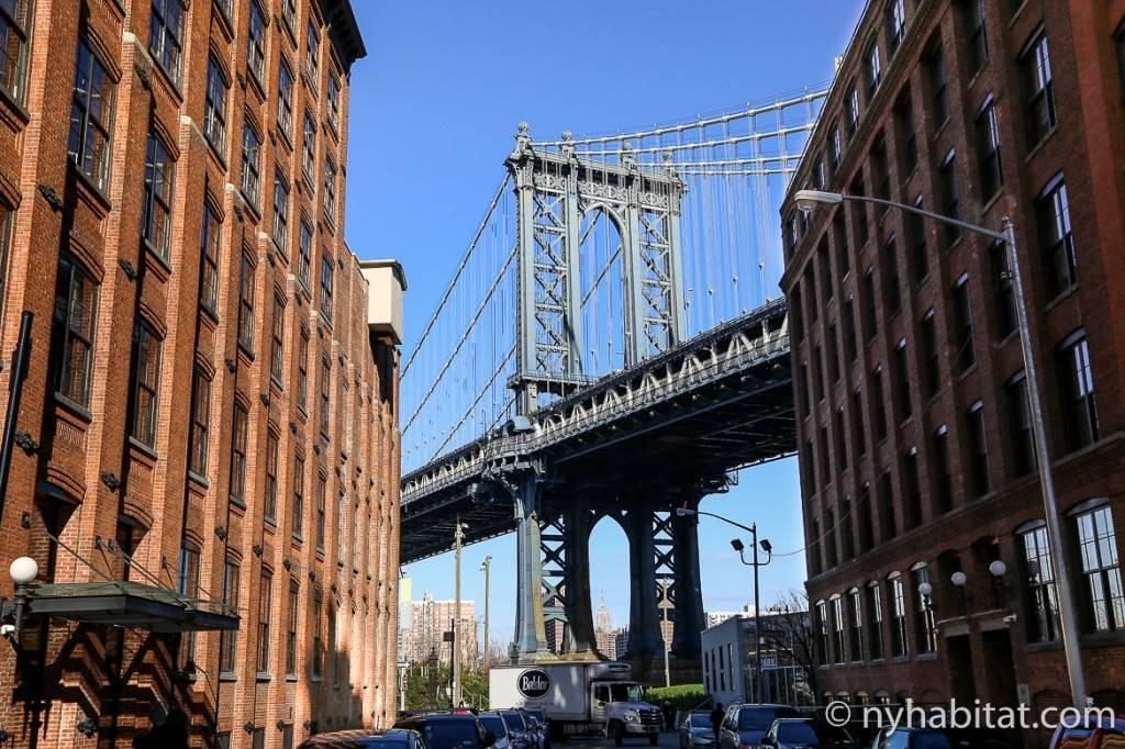 Imagen del puente entre los edificios