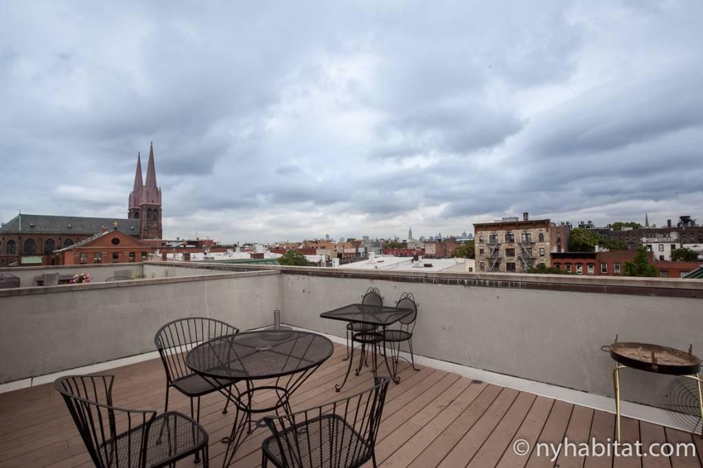 Imagen de la terraza de la azotea del apartamento compartido de New York Habitat (NYC-16516)