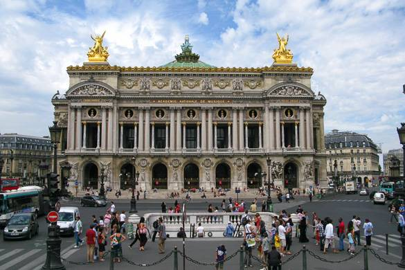 Fotografía de la fachada del Palacio Garnier