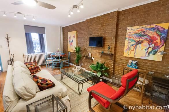 Imagen del salón del apartamento de un dormitorio en Harlem NY-16470
