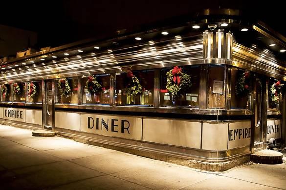 : Imagen del Empire Diner en el barrio Chelsea de Manhattan