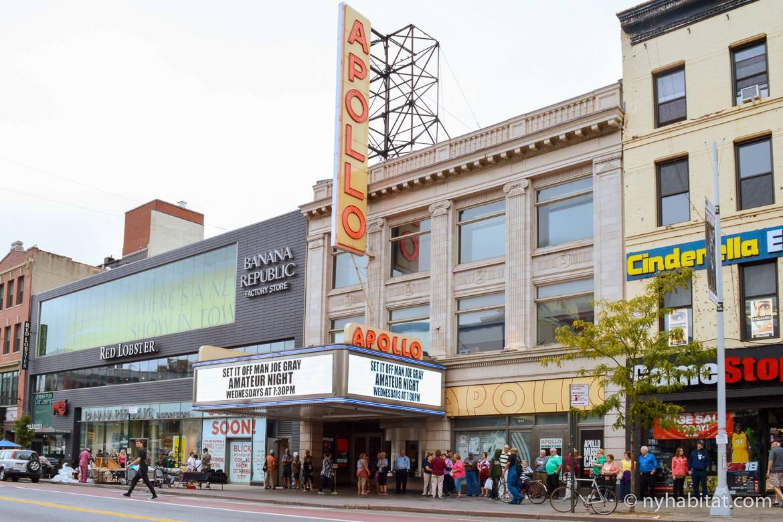 Imagen del Teatro Apollo de día