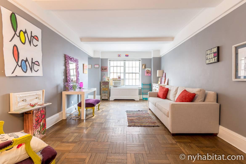 Imagen de la sala de estar del piso compartido NY-16780 en el Upper West Side.