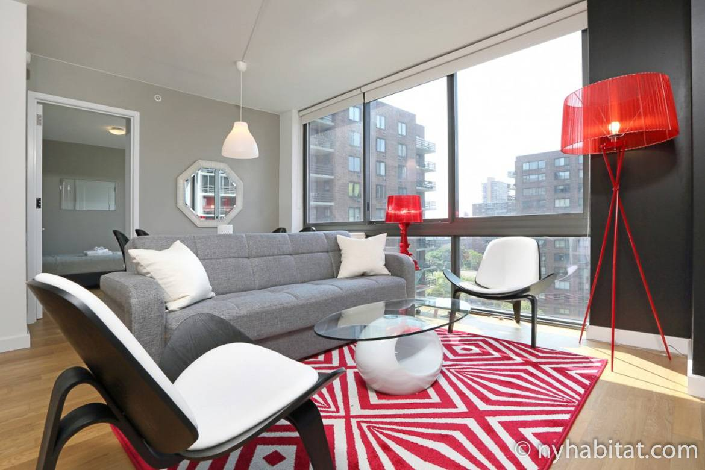 Imagen de la sala de estar de NY-16820 cerca de Central Park con vistas a la ciudad.