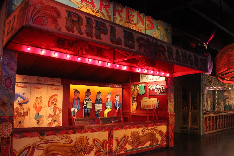 Imagen de juego de carnaval expuesto en el Musée des Arts Forains.