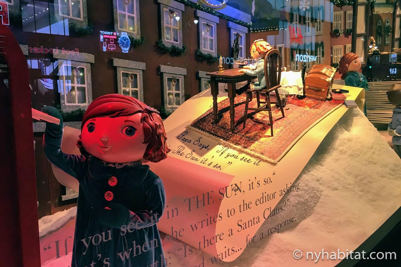 Imagen del escaparate navideño de Macy's con el cuento Miracle on 34th Street.