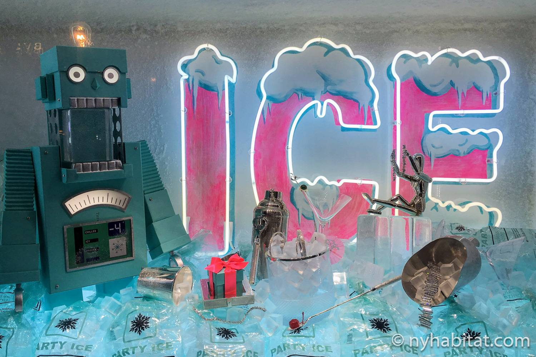 Imagen del escaparate navideño de Tiffany & Co. de 2018 ambientado en los robots.